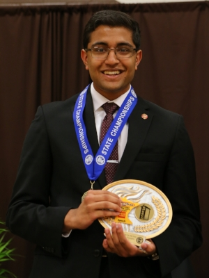 Extemporaneous Speaking    Pranay Somayajula    Mounds Park Academy   Photo:  MN Prep Photo