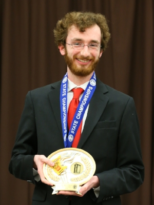 Extemporaneous Reading    Sam Roach    Mankato West    Photo:  MN Prep Photo