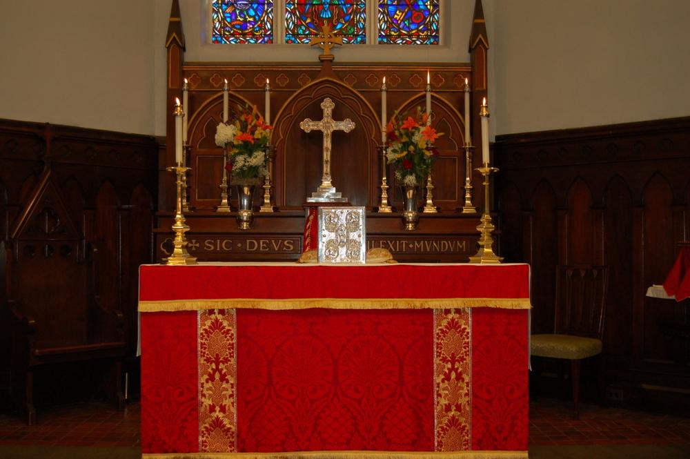 Altar-Red.jpg