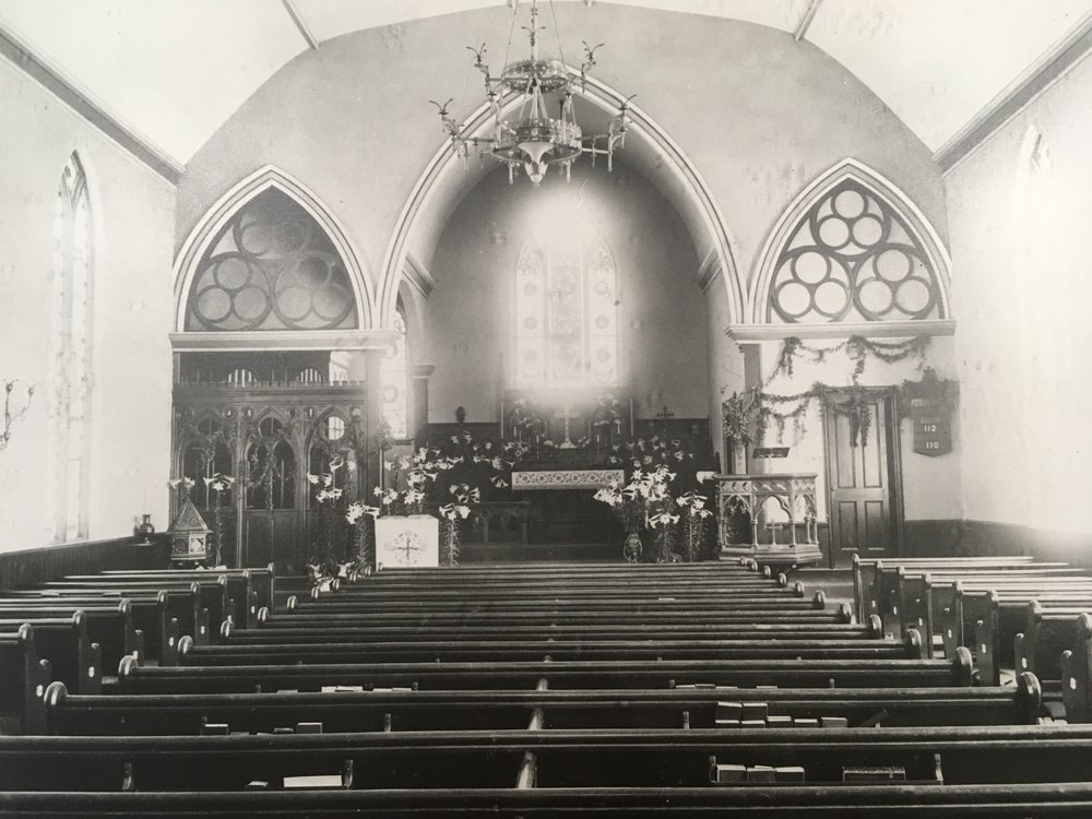 A photo of the church interior, taken between 1892 and 1896.