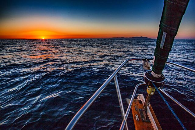 Taking in the sunrise over Catalina after a quiet night shift, dreaming of far away island adventures #catalinaisland #sailing #buccaneerdays2016