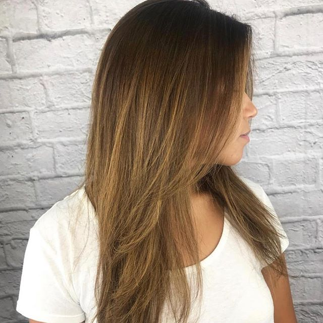 Perfect layers + perfect color!!! @hairby_hailes 💓💓 we love it hailey . . . #salonpure #aveda #livedinhair #blonde #clientselfie #avedasalon #flowerybranchsalon #balayage #businessofbalayage #shadowroot #ombre #atlhair #behindthechair #beachwaves #curls #waves #dimensional