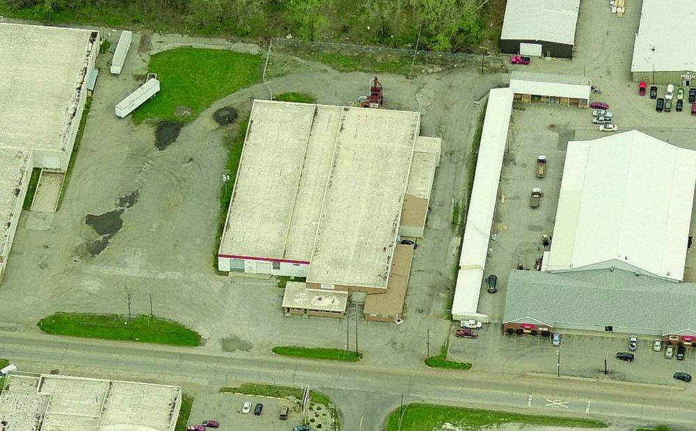 1700 W Lusher Ave Elkhart exterior pic.jpg