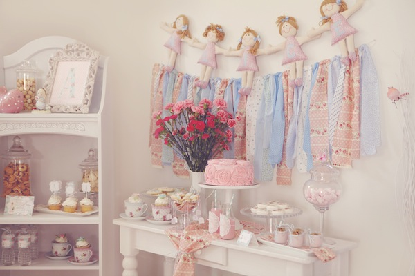 A Shabby Chic Sweets Table