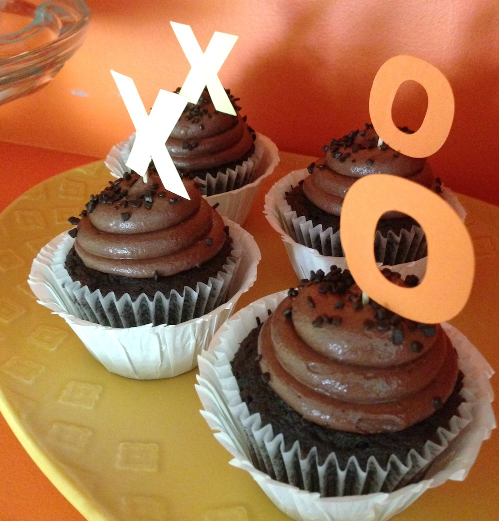 grandparents-day-styled-photo-shoot-xo-cupcakes.jpg