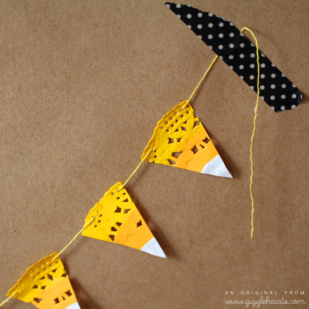 DIY Candy Corn Garland / the details / from www.GiggleHearts.com