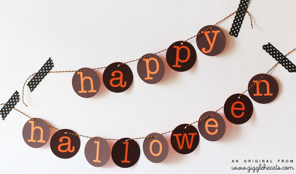 Orange and Black DIY Printable Happy Halloween Banner / from www.GiggleHearts.com