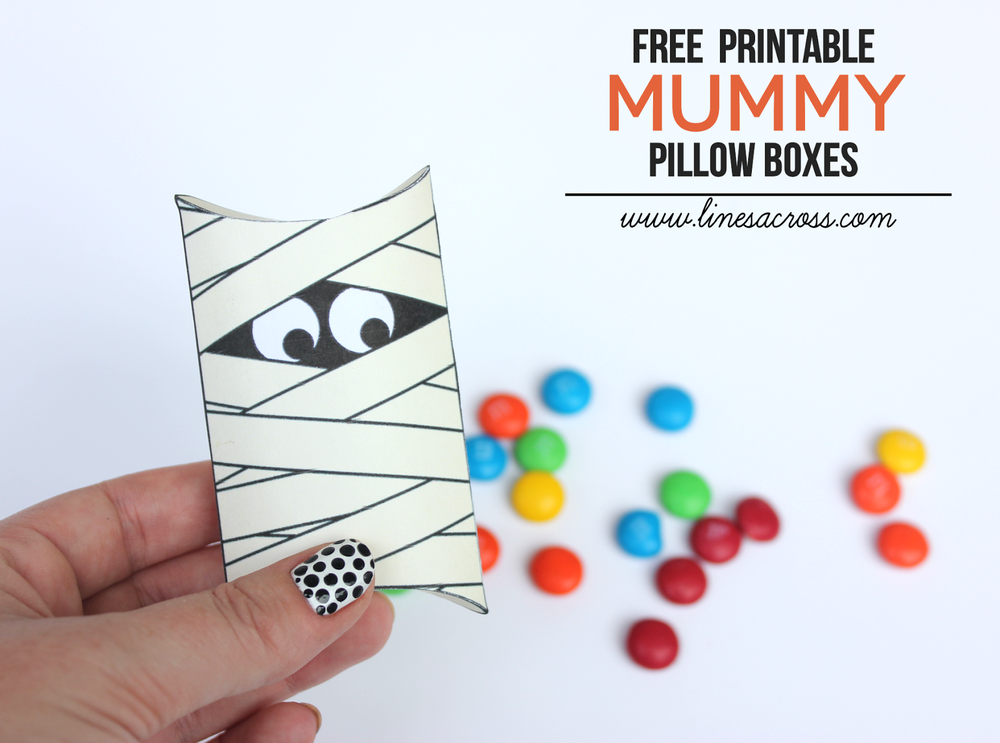 Printable Mummy Pillow Boxes   / www.linesacross.com - shared on www.GiggleHearts.com