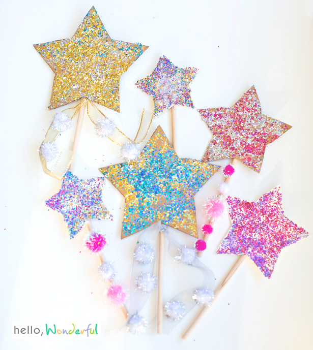 DIY Glitter Star Wands for Ringing in the New Year / as seen on Hello Wonderful / shared on www.GiggleHearts.com