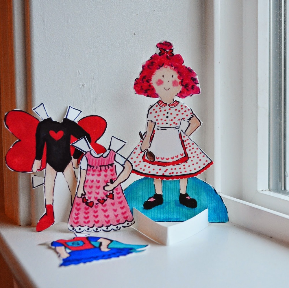Love Bug Paper Doll from   The Snugglebug Project   / as seen on www.GiggleHearts.com