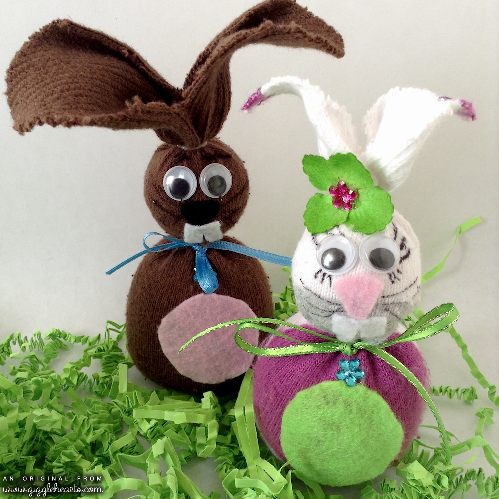 The Sweetest Little DIY Sock Bunnies for Easter or Kids Party Decorations - created with toddler size socks / as seen on www.GiggleHearts.com