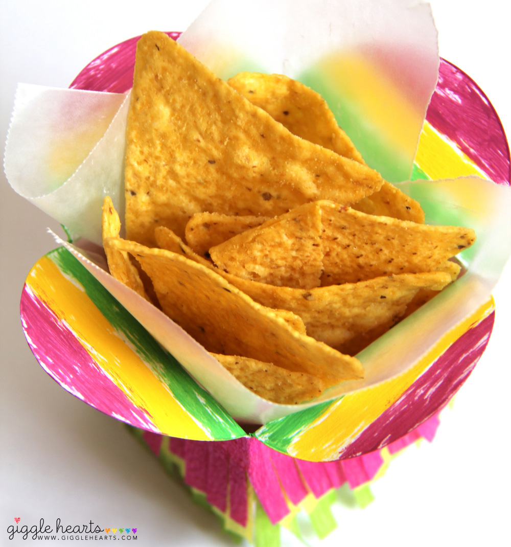 DIY Mini Fiesta Take-Out Boxes - fun for taco bars and Cinco de Mayo / as seen on www.GiggleHearts.com