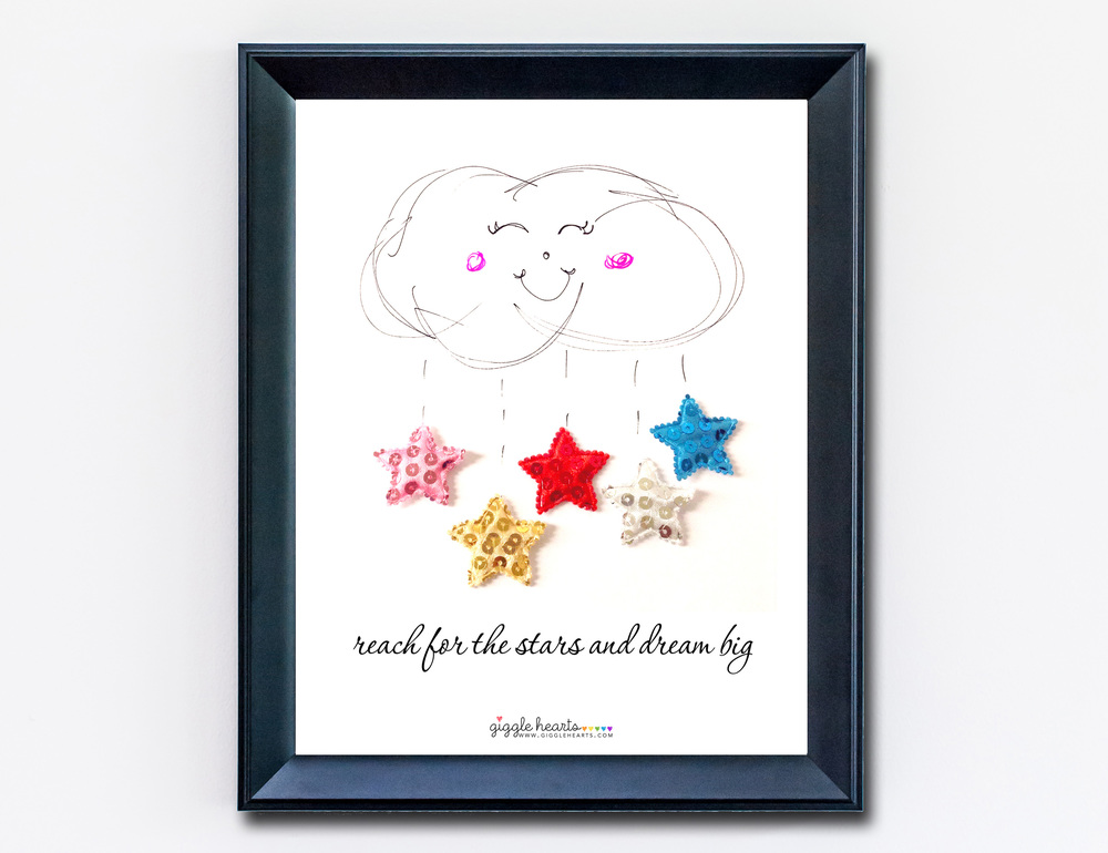 Reach for the Stars and Dream Big - an 8x10 Free Printable from www.GiggleHearts.com