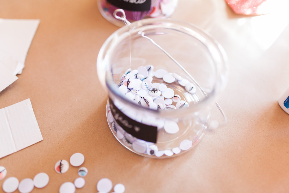art-craft-valentines-day-party-Connie-Meinhardt-Photography-googley-eyes-how-to.jpg