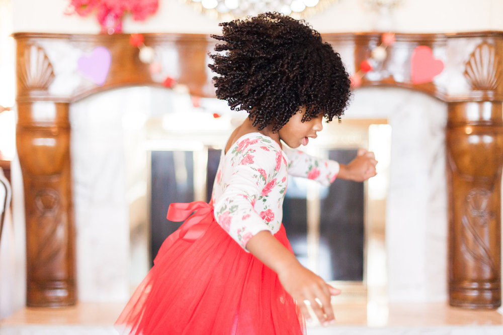 art-craft-valentines-day-party-Connie-Meinhardt-Photography-girl-spinning.jpg