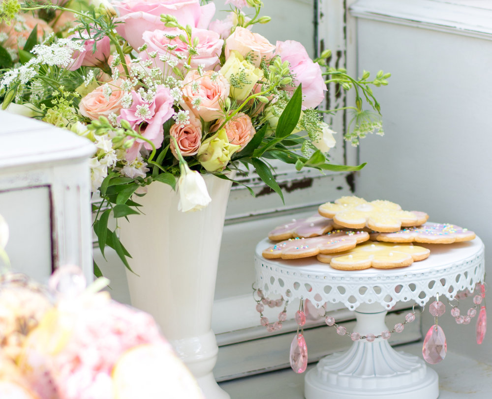 Vintage Garden Birthday Party Sweets Table / Serve cookies on a jeweled vintage cake stand / Outdoor Garden Party / photo by Honeysuckle Rose Photography - as seen on www.GiggleHearts.com