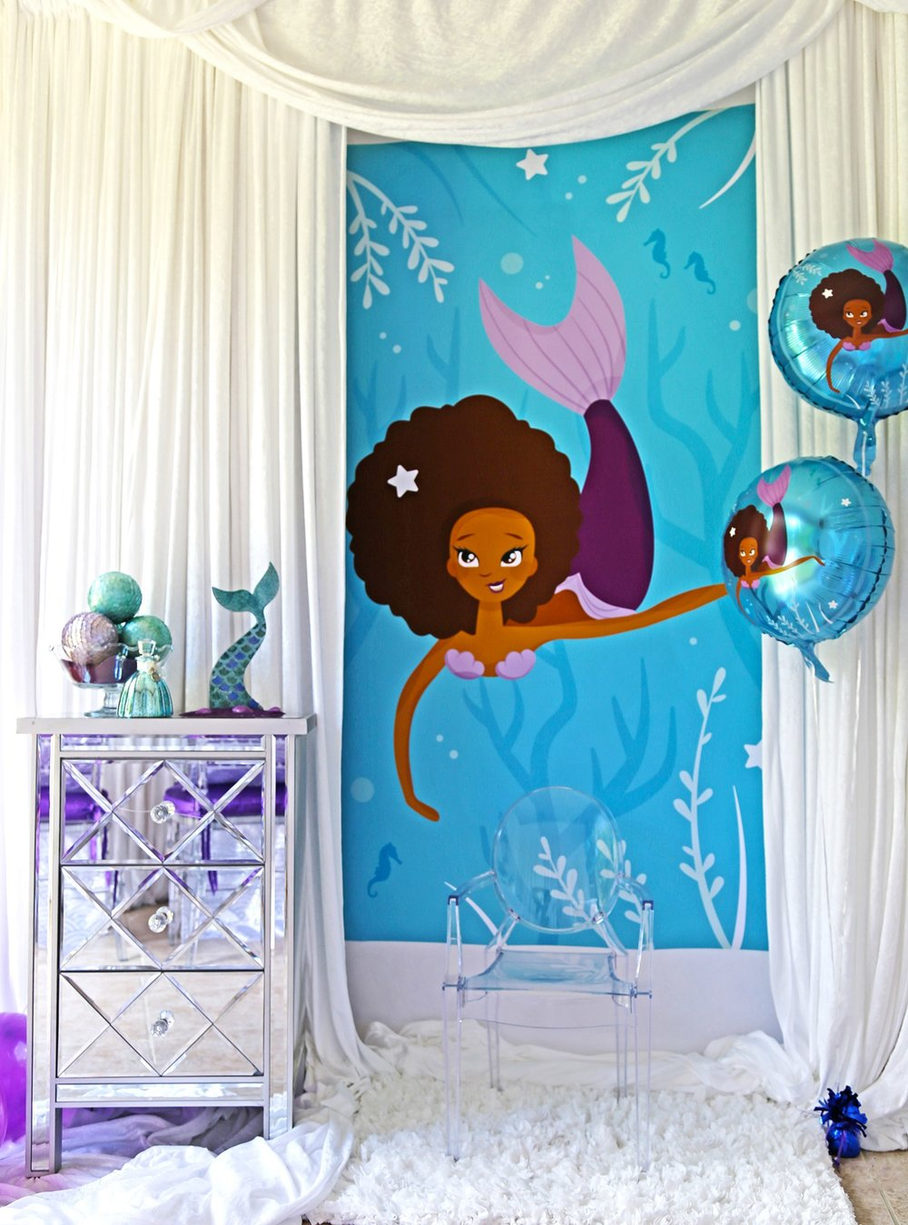mermaid-party-supplies-photo-booth.jpg