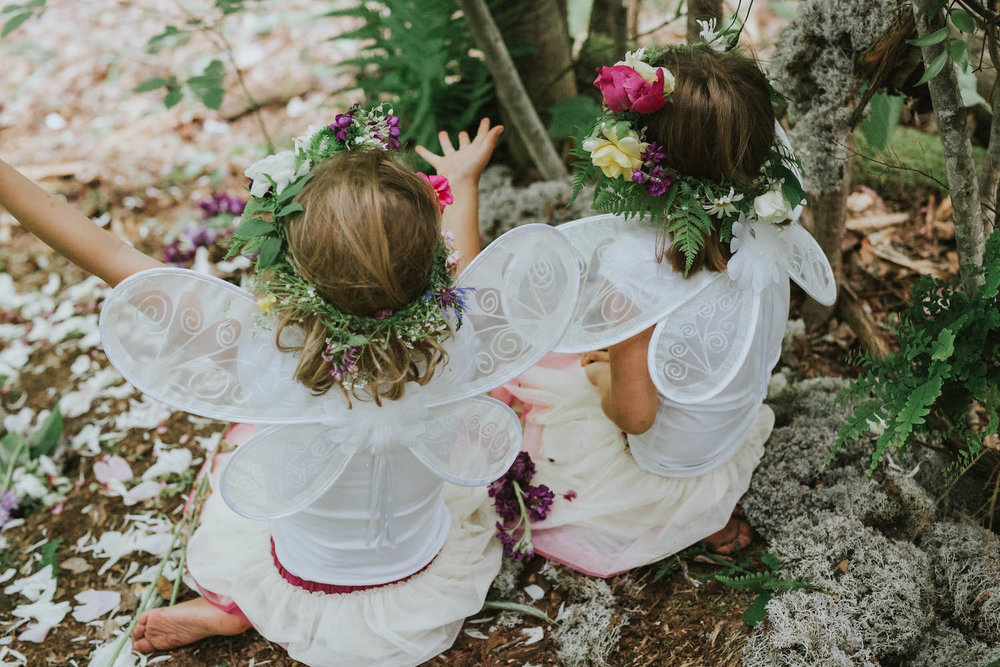 woodland-fairy-birthday-party-girls-playing.jpg