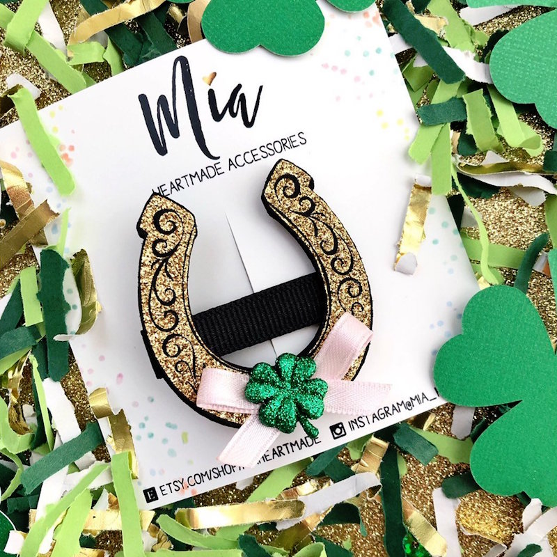 The sparkliest gold horseshoe hair clip for St. Patrick's Day - from Mia Heartmade Accesories. Click for more lucky hair accessories + Photo Styling Tips for Etsy Artists