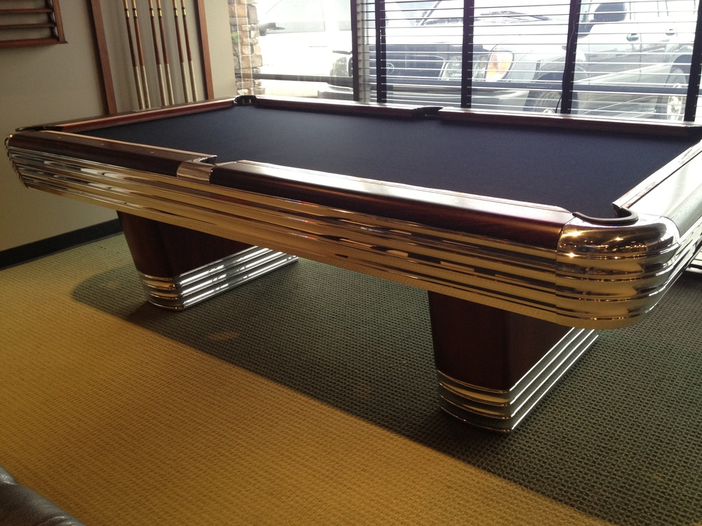 Lovely Brunswick Billiards Centennial Antique Pool Table