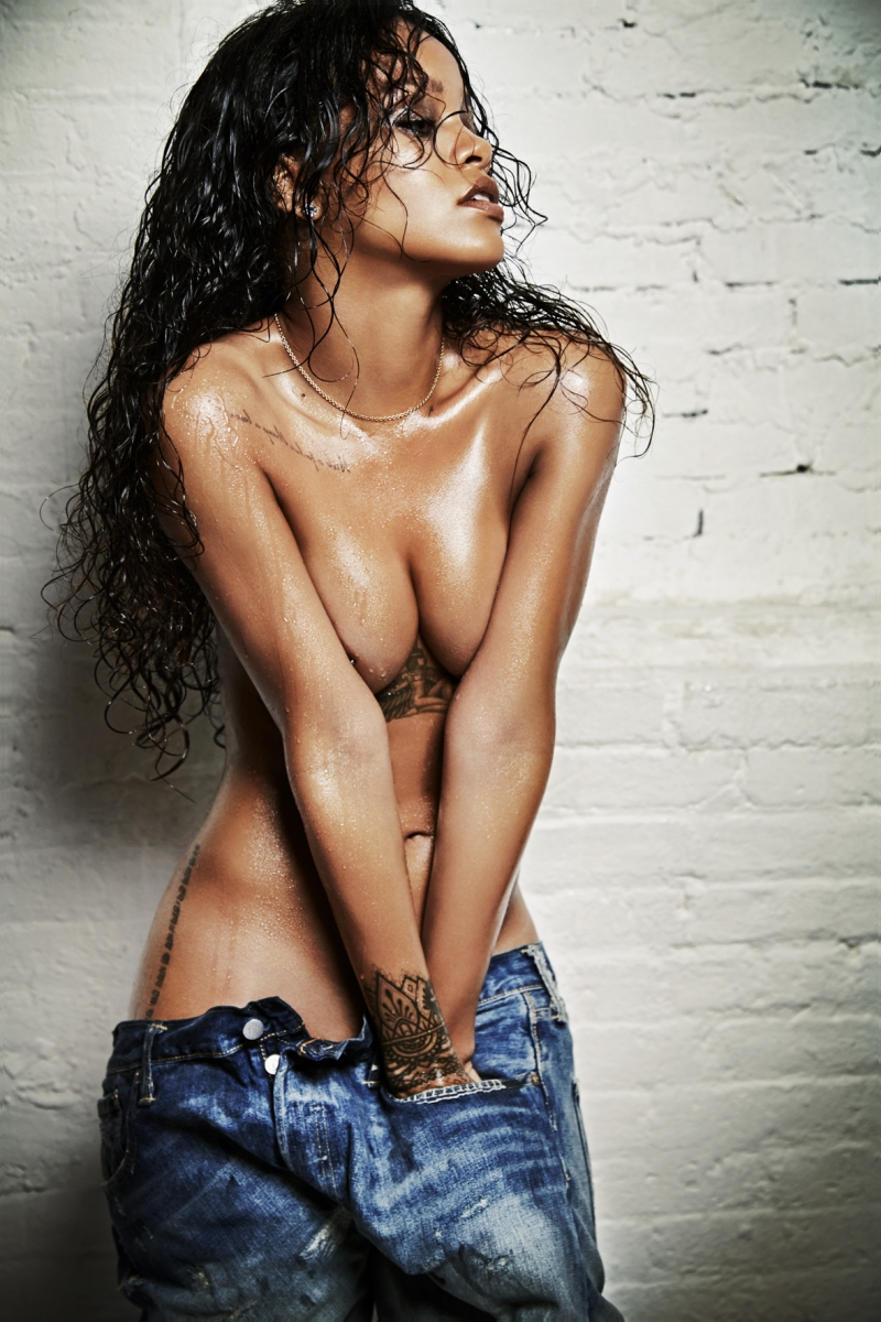 Esquire-UK-Editorial-December-2014-Rihanna-by-021817.jpg