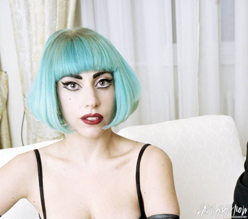 Lady-Gaga-Stern-Photo-Shoot-lady-gaga-23536184-800-706.jpg