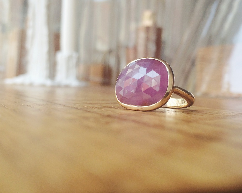 Nicole Landaw pink sapphire ring on 14K yellow gold
