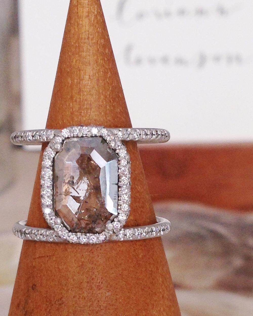 yes please, grey diamond.