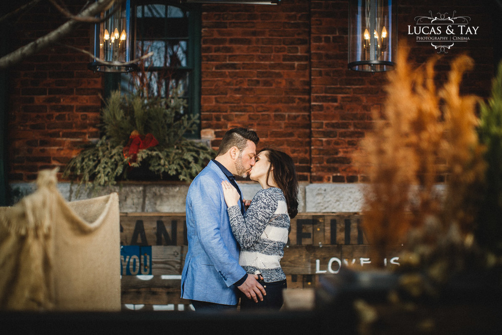 distillery_district_engagement-4.jpg