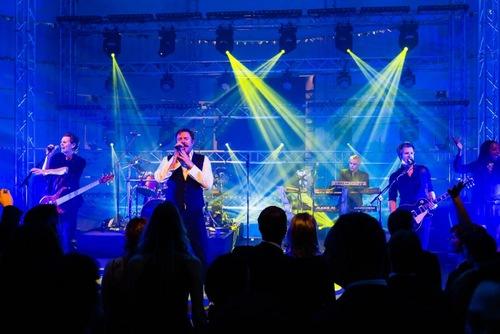 Bright-Entertainment_VZ_Superstar (6).jpg