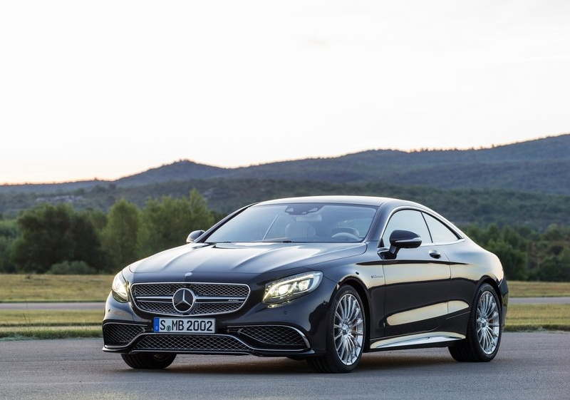 Mercedes' CL-Class replacement, the S-Class Coupe, in S65 AMG form