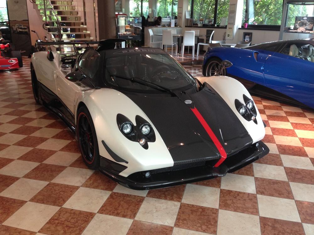 Zonda Cinque Roadster (3).JPG
