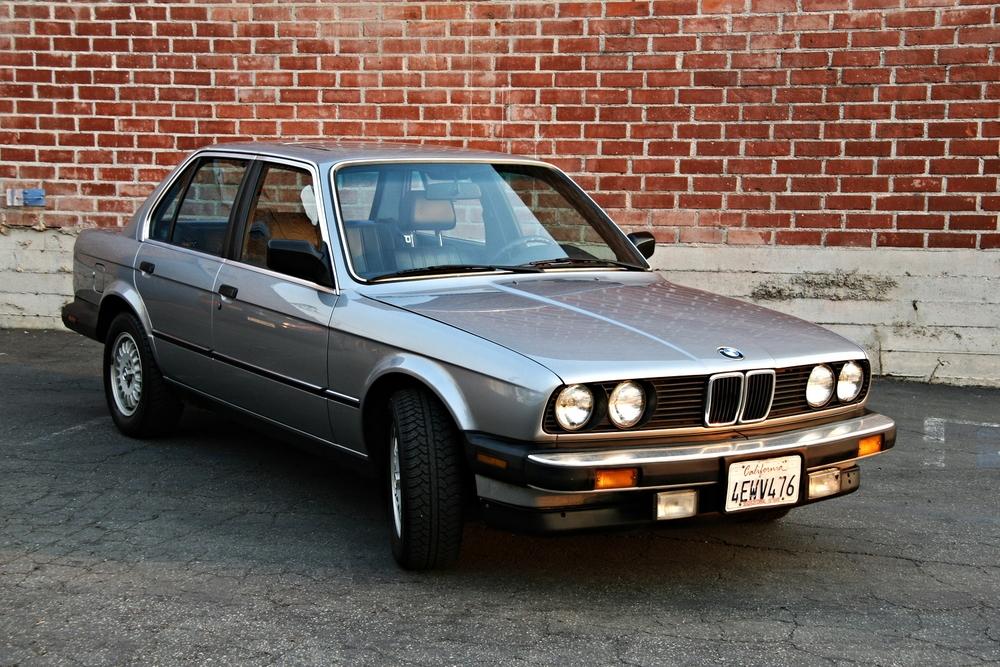 A BMW 325is e30
