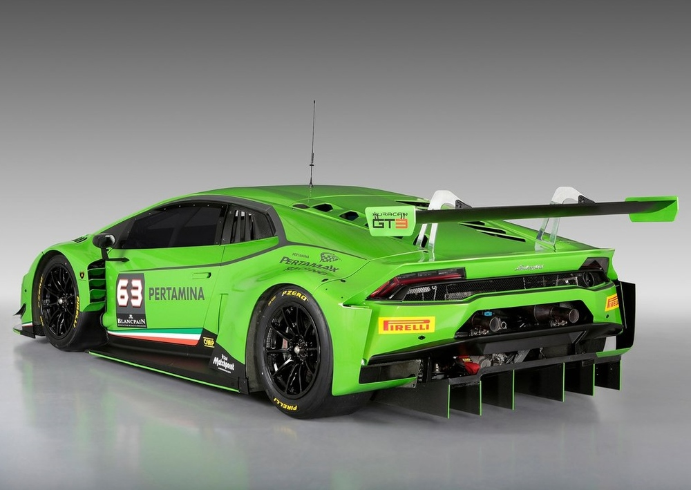 The GT3's spoiler and diffuser make the car look like a lethal weapon