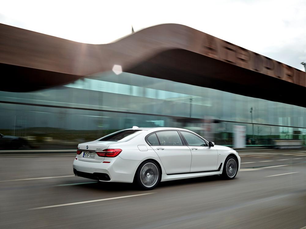 2016 BMW 7-Series M-Sport