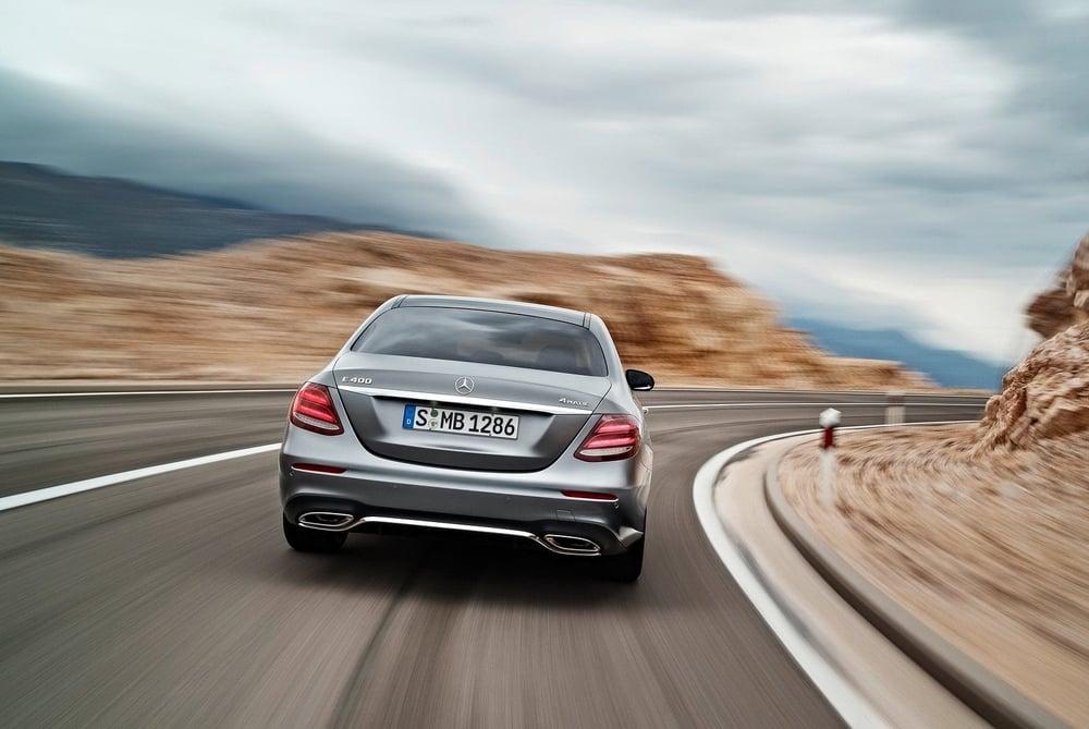 Mercedes-Benz-E-Class_2017_1600x1200_wallpaper_25.jpg