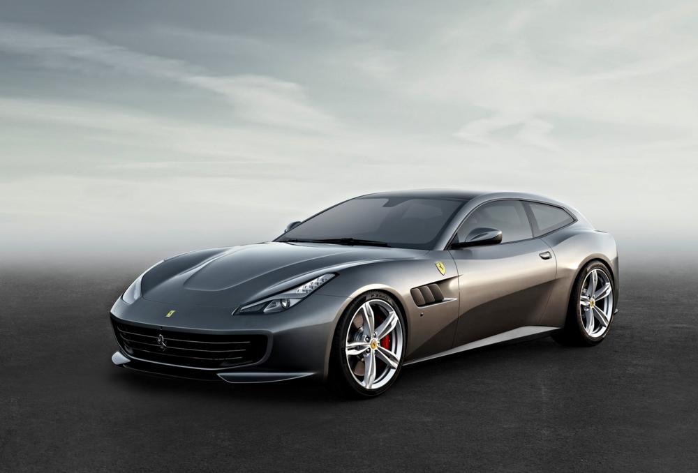 Ferrari-GTC4_Lusso_2017_1600x1200_wallpaper_01.jpg