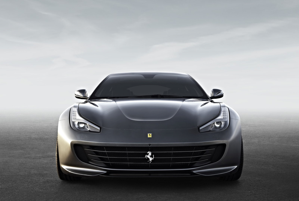 Ferrari-GTC4_Lusso_2017_1600x1200_wallpaper_05.jpg