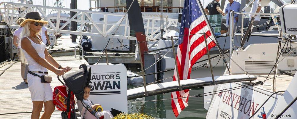 BoatShowSwan.jpg