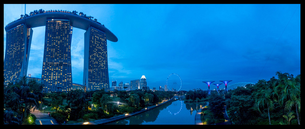 Looking out into Downtown Singapore!