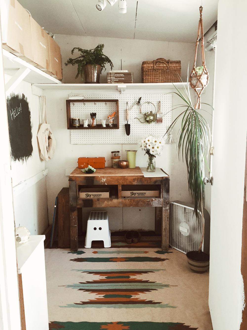 Kaitlin 39 s diy art garden studio mermaaidy for Diy garden studio