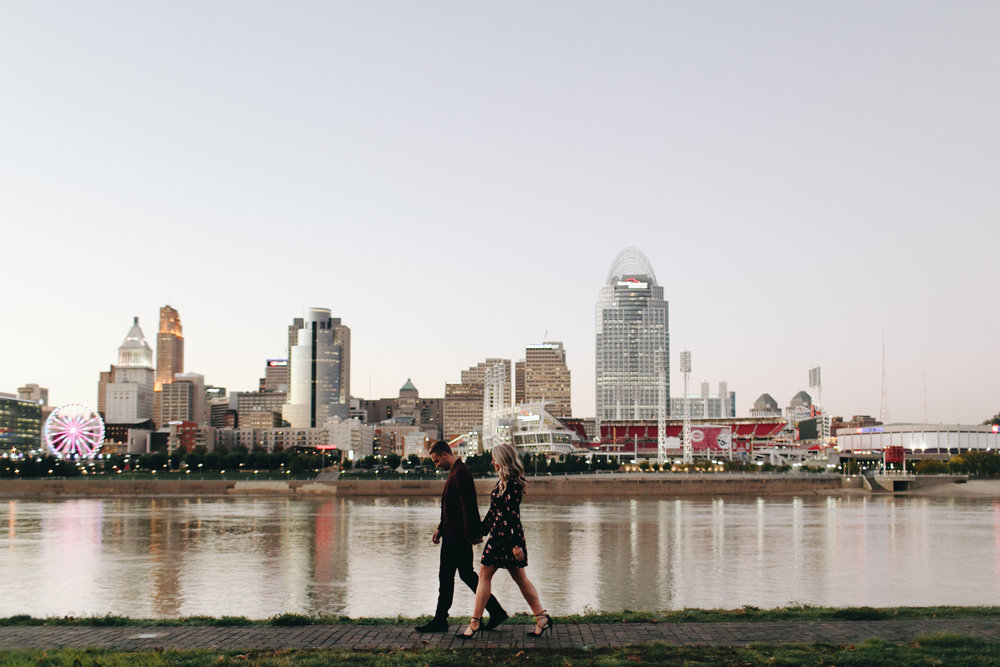Photography Anthology - Cincinnati Engagement Photos Devou Park Smale Skyline (35 of 37).jpg
