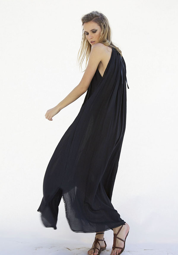 #heidimerrick #summer TresChicNow.com black maxi dress
