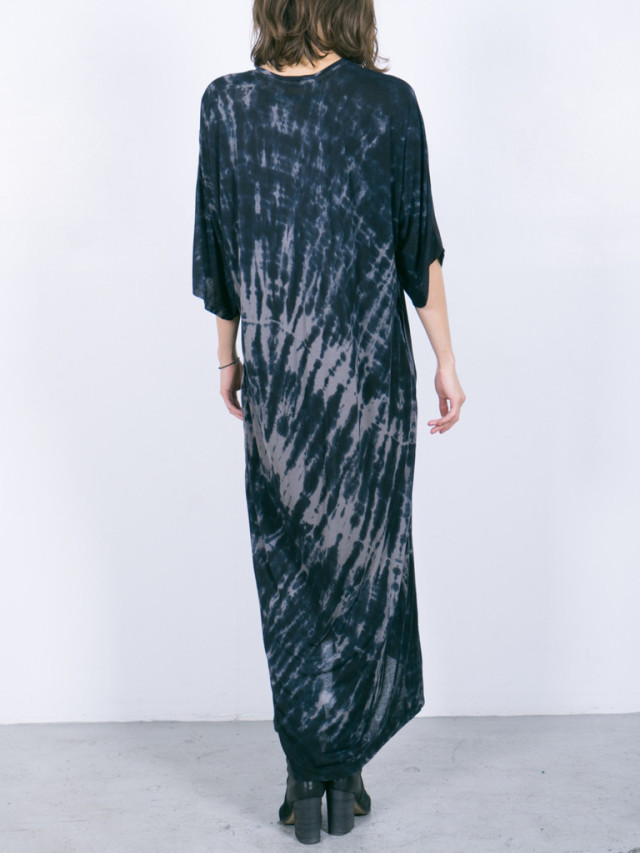 raquel allegra via TresChicNow.com #fashion #tiedye #maxidress