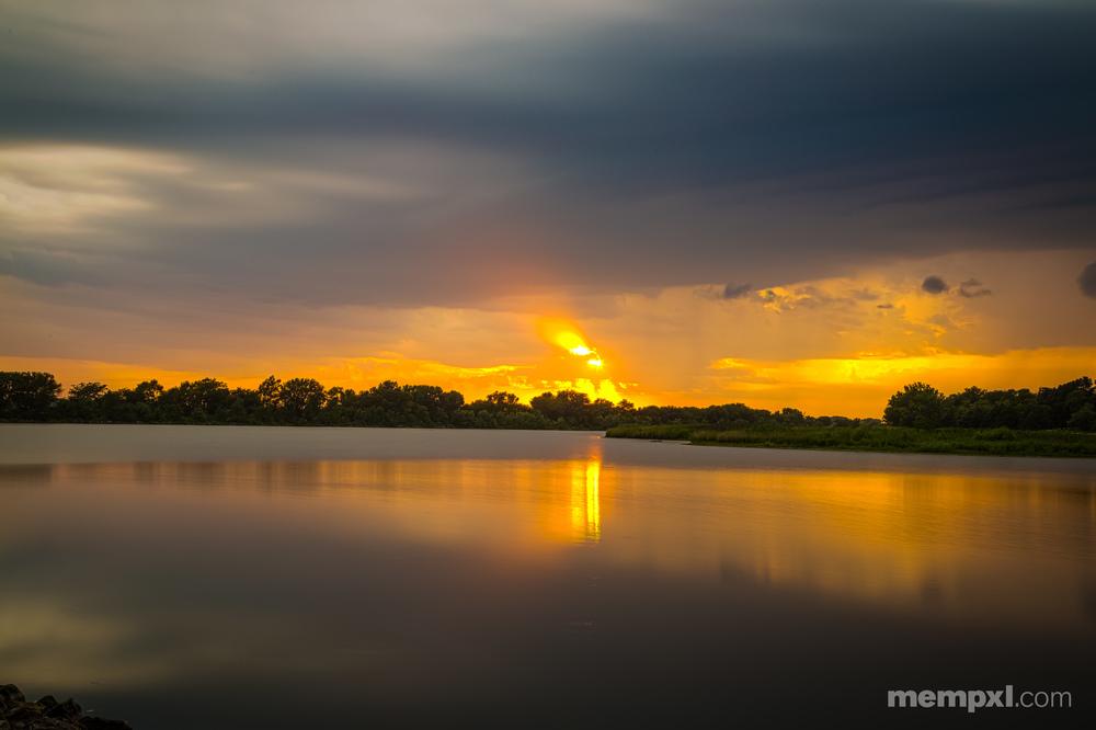 Sunset at Lake Memphis.jpg