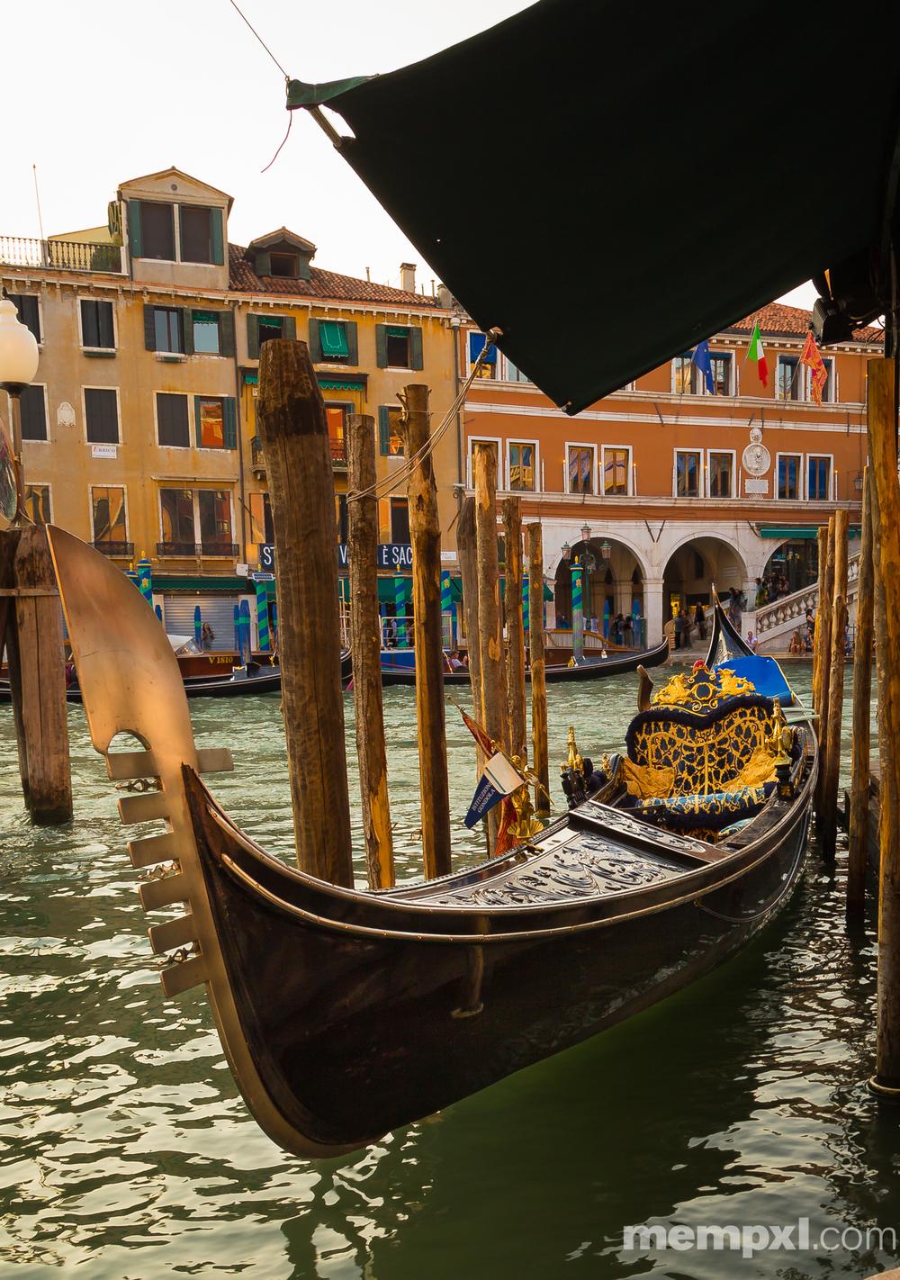 Gondola Venice  2014 WM.jpg