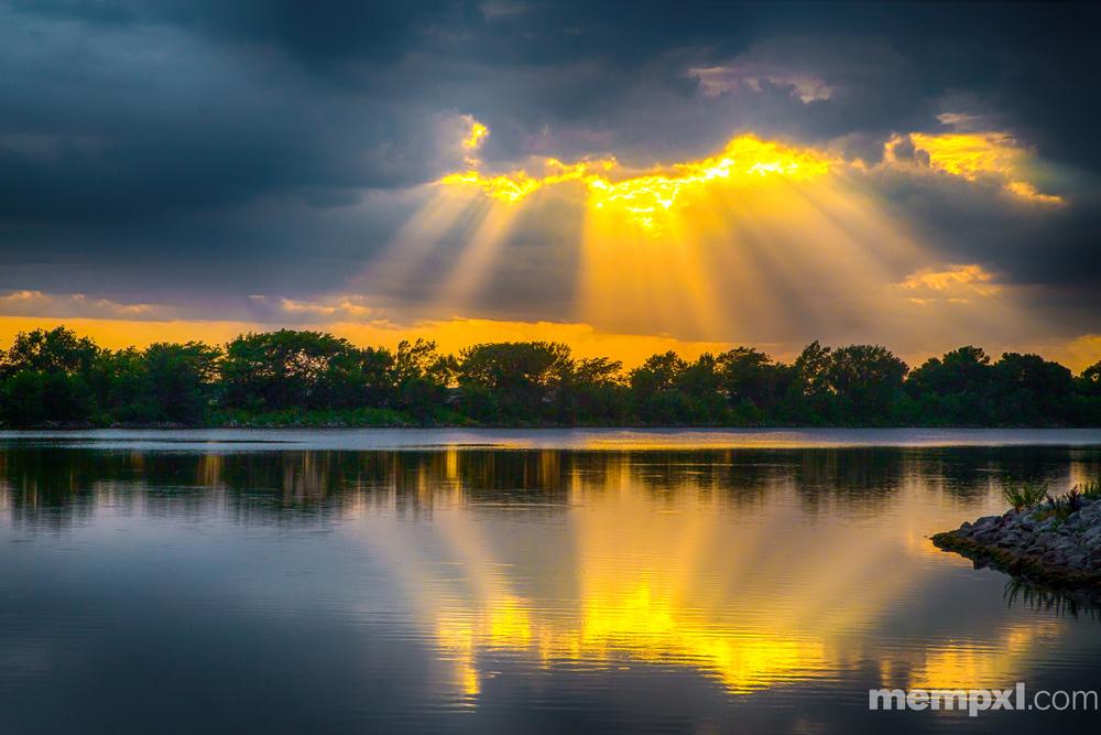 Sunset Rays at Memphis Lale 2014 WM.jpg