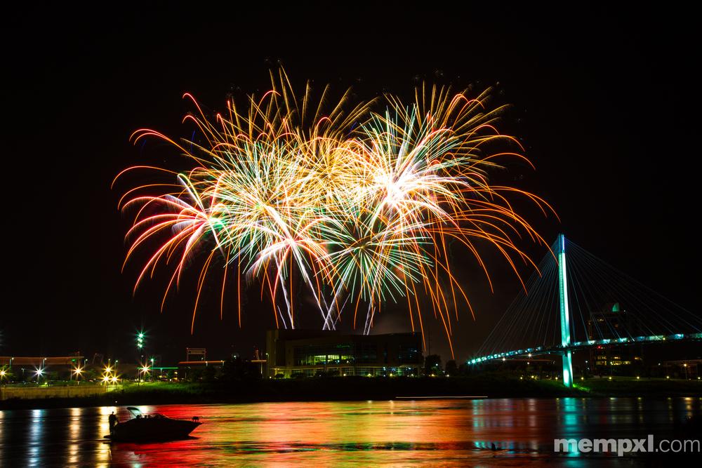 Omaha CWS Fireworks (2) 2014 WM.jpg