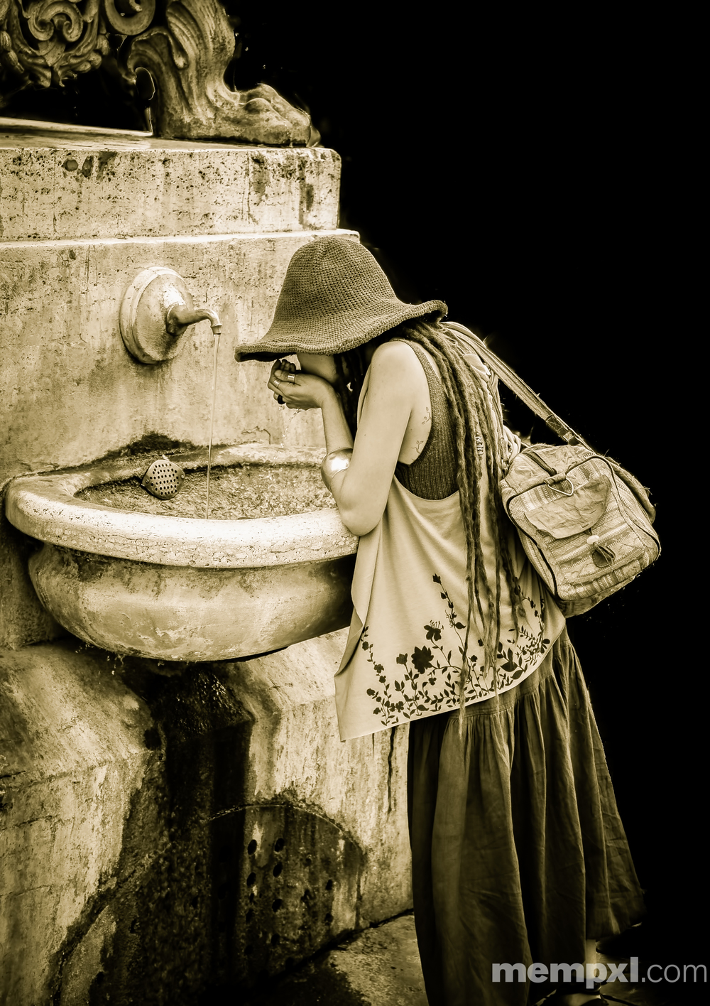 Vatican Fountain Girl 2014 WM.jpg