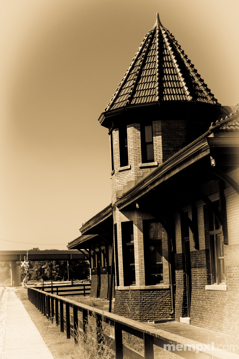 Council bluffs RR Depot  2014 WM.jpg